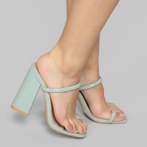 Chunky and comfortable mint fashion sandals